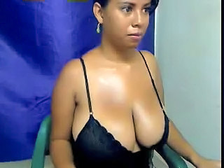 Amazing Big Tits Latina MILF Webcam