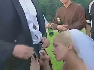 Blowjob Bride Outdoor