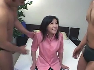 Amateur Cute Japanese Mature Threesome
