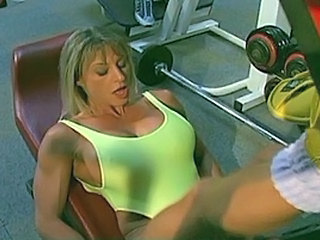 Francesca Petitjean And Kelly Fuck Men At Tthis Chab Gym