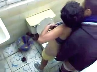 Amateur Arabe Toilette