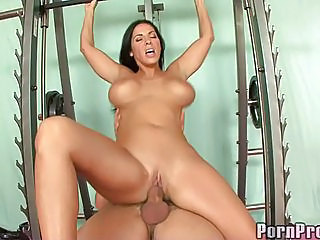 Veronica Rayne Let Gym Instructor Kneel In Her Altar