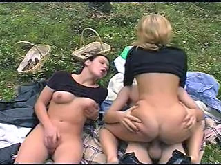 Blonde Brunette Masturbating MILF Natural Outdoor Riding Threesome