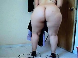 46-211- BIG BUTT DRESSED - UNDRESSED