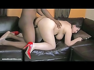 Amazon Latina Housewife Adriana...