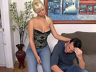 Incredibil Blonda Draguta Jeans MILF