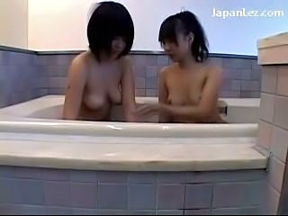 2 Girls Kissing In The Bath Tube