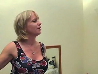 Amateur Big Tits Blonde British Mature Mom