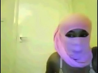 Somali Hijab Girl Stripping