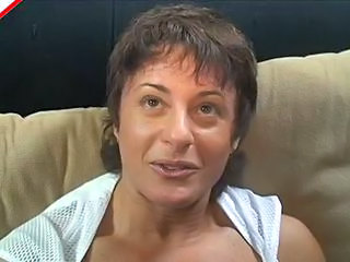 Amateur Blowjob Brunette MILF Muscled