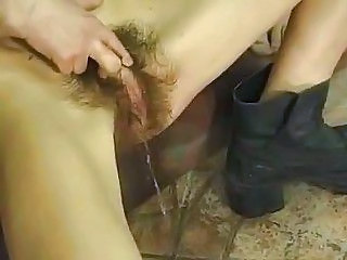 Hairy Pissing Pussy