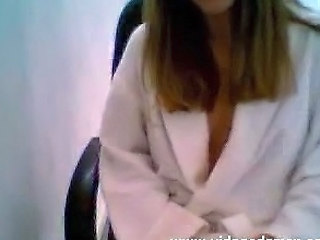 Amateur Webcam  Cute Brunette In Bath Robe