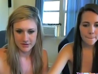 Amateur Cute Lesbian Masturbating Teen Webcam