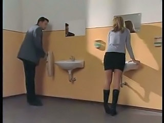 Blonde Student Docent/Leraar Toilet
