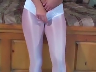 Brunette Masturbating Pantyhose Teen