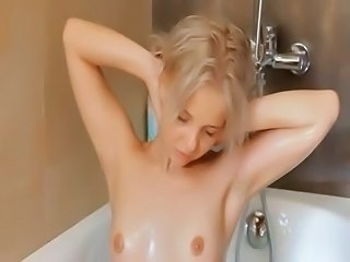 Amateur Blonde Cute Showers Small Tits