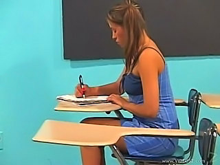 Latina Dia Teachers Pet...