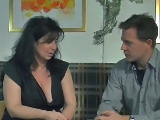 Amateur Brunette German Mature Mom