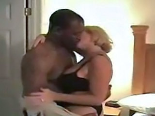 Cuckold Interracial Kissing Mature Wife