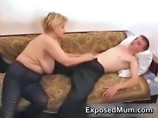 Amateur Blonde Mature Mom SaggyTits