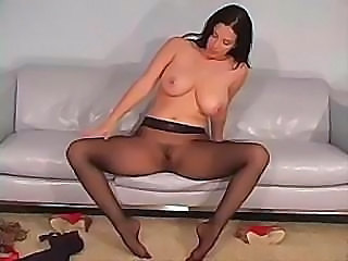 Jelena is showing off her body and wants you to see her pussy