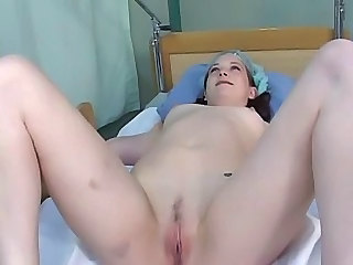 Amateur Brunette Pussy Shaved Small Tits Teen