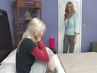 Mature mom with hot young teen
