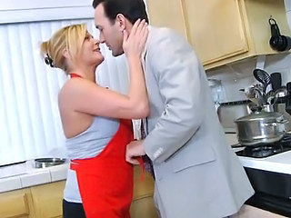 Chubby Hardcore Kissing Kitchen MILF Wife