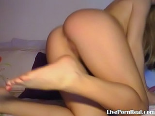 Gorgeous Blonde Playing With A Pink Dildo2.flv