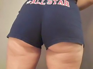 Sexy milf ass in tight bootyshorts