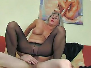 Chubby Mature Mom Natural Pantyhose Riding Russian