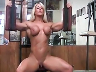 Incredibil Blonda Clitoris MILF Muschiulos Sport