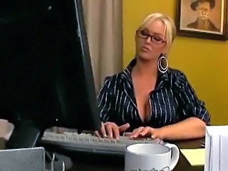 Lesbian Office Secretaries