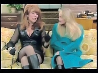Peggy Bundy - Katey Sagal in sexy Lederklamotten