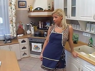 Blonde Kitchen MILF Pornstar