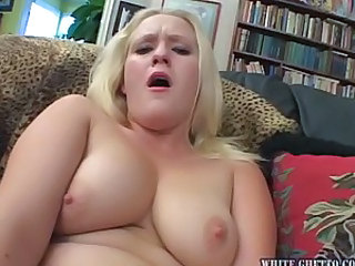 Pale Chick Gets Jizz in Her Face