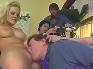 Alexis Texas gets licked