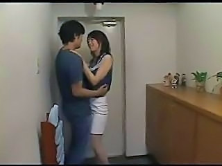 Amateur Japanese Kissing Wife