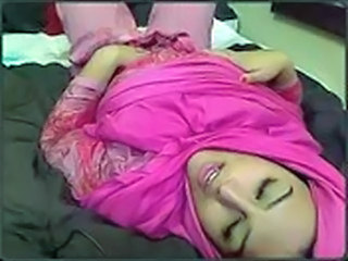 Arab Cute Masturbating Teen Webcam