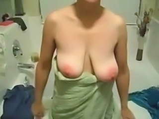 Amateur Bathroom Mature SaggyTits