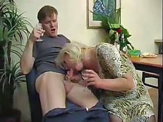 Amateur Mom Older Old and Young Strapon