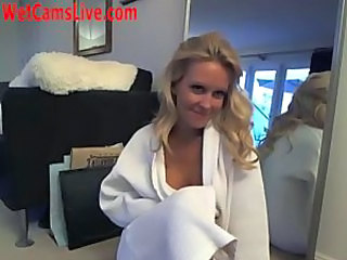 Blonde Cute Squirt Webcam