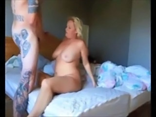 Mature couple makes homemade sextape