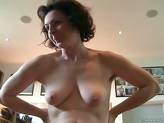 Poilue Mature Seins Flasques