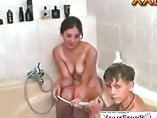 Russian Teens Fuck In The Tub