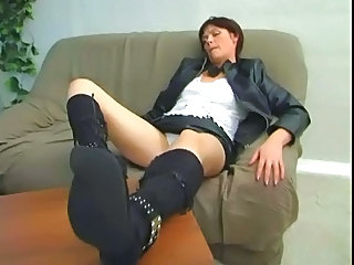 Brunette Mature Fucking With Her Sons Best Friend
