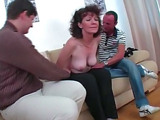 Amateur Mature SaggyTits Threesome