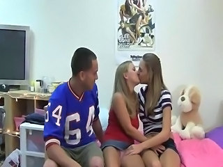 Amateur Cute Student Teen Threesome