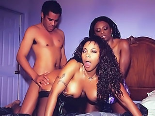 Doggystyle Ebony Hardcore MILF Threesome