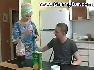 Amateur Homemade Kitchen MILF Mom Old and Young Russian